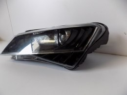Skoda SuperB 3 - Lampa przdnia Xenon LED L - 6377